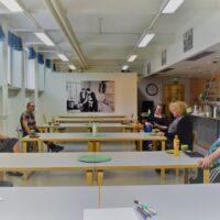 Keskiviikkona 5.8. toimintatalolla järjestettiin kokemusasiantuntijakahvilan Open Mic